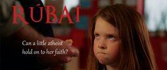 Veja com tradução em português filme que retrata garotinha ateia