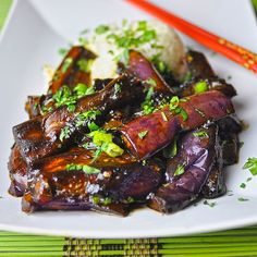 Szechuan Garlic Eggplant - It's good for the taste buds and fantastic for the soul. Oh my heart . so delicious! Vegetable Recipes, Vegetarian Recipes, Cooking Recipes, Healthy Recipes, Eggplant Dishes, Chinese Eggplant Recipes, Asian Cooking, Vegetable Dishes, Asian Recipes