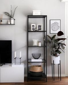 51 brilliant solution small apartment living room decor ideas and remodel 51 . 51 brilliant solution small apartment living room decor ideas and remodel 51 . - 51 brilliant solution small apartment living room decor ideas and remodel 51 - H - - Black And White Living Room Decor, Elegant Living Room, Cozy Living, Bedroom Black, Modern Small Living Room, Small Living Room Designs, Black Room Decor, White Decor, Black And White Office