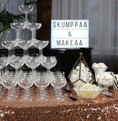 juhlahumua_blogi_häät_art deco_skumppaa ja makeaa_artikkeli
