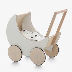 Ooh Noo / Toy Pram / Poppenwagen uit hout