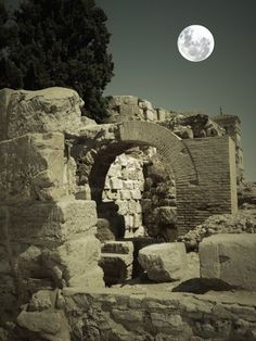 Ruinas romanas en #Zaragoza #turismo #goloviarte #instagram  http://www.goloviarte.com/