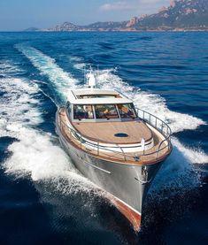 Motor Cruiser, Cruiser Boat, Cabin Cruiser, Yacht Design, Boat Design, Wooden Speed Boats, Wooden Boats, Yatch Boat, Bass Fishing Boats