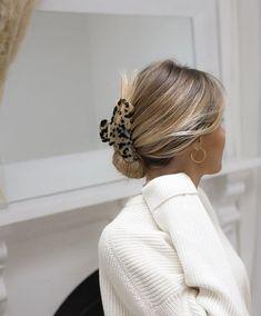 Clip Hairstyles, Pretty Hairstyles, Locks Hairstyle, Fashion Hairstyles, Hair Inspo, Hair Inspiration, Good Hair Day, Aesthetic Hair, White Aesthetic