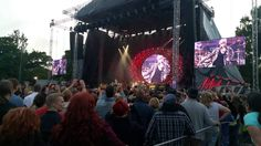 Queen + Adam Lambert - Another One Bites The Dust (Live) (Short version)...
