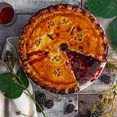 Sloe gin bramble pie recipe. The classic blackberry pie is given an update by adding sloe gin before baking in a sweet pastry case.