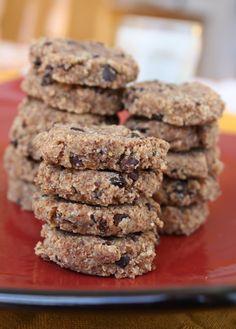 Cookies de chocolate 2 xícaras de polpa de amêndoas * (tem a receita no post sobre como fazer leite de amêndoas) ou de manteiga de amendoa...