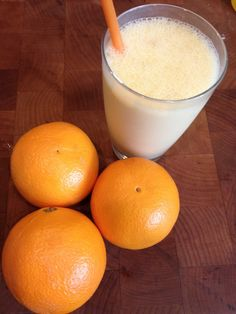 JAMBA JUICE COPY CAT Skinny Orange Dream Smoothie- ONLY 129 calories (click the picture for the recipe) #recipes #LoseWeightByEating