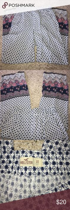 Hollister Parachute pants Worn once or twice and very comfortable. Don't fit anymore. Hollister Pants