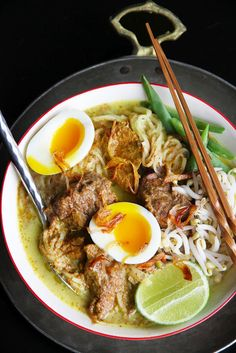 Slow Cooker Beef Curry Noodles   Thai Food by SheSimmers