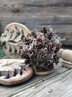 Home Decor Kmart Pine cone sphere with Spanish moss DIY. Thrifty Christmas diy Decor Kmart Pine cone sphere with Spanish moss DIY. Diy Home Decor On A Budget, Easy Home Decor, Decorating On A Budget, Cheap Home Decor, Teen Room Decor, Tv Decor, Bedroom Decor, Decor Ideas, Bedroom Ideas