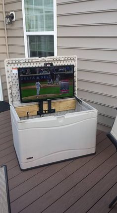 Incroyable I Wanted A TV On The Deck. Converted A Deck Box To Hold The TV