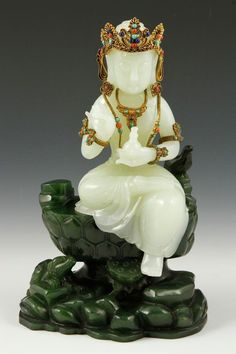 (Qing dynasty) Chinese carved White Jade. ca 18th century CE. Guanyin. Qing dynasty, China.