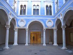 Serliana del patio del embajador Vich, Valencia. Verificar