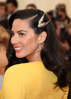 """Olivia Munn jewellery detail at the """"Charles James: Beyond Fashion"""" Costume Institute Gala May 2014."""