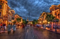 Disneyland - Main Street USA Headed there for Mothers Day! Disneyland Main Street, Disneyland Today, Disneyland Resort, Disneyland Photography, Hdr Photography, Disney Parks, Walt Disney World, Disney Garden, Vacation Places