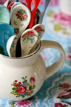 Love these sweet little spoons...would be perfect with my Earl Gray tea!