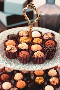It's not truffles. It's Brigadeiro! Coffee Bar Party, Brigadeiro Recipe, Chocolate Dreams, Cupcakes, Party Cakes, Dessert Table, Sweet Recipes, Sweet Tooth, Sweet Treats