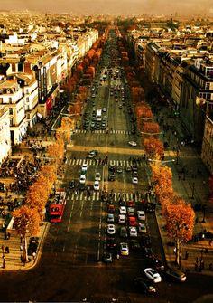 Champs Elysées, Paris (by ThibaultPoriel)