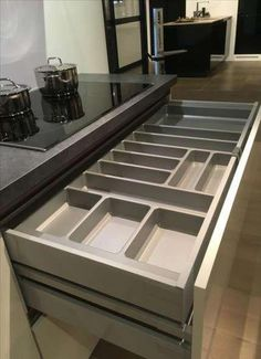 Trendy kitchen cabinets organization drawers pantries 62 Ideas Trendy kitchen cabinets organization drawers pantries 62 Ideas - Own Kitchen Pantry Modern Kitchen Cabinets, Kitchen Cabinet Design, Kitchen Interior, Kitchen Decor, Kitchen Ideas, 10x10 Kitchen, Floors Kitchen, Decorating Kitchen, Kitchen Counters