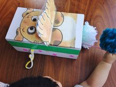 【空き箱と手作りポンポンでDIY】赤ちゃんが喜ぶ仕掛けおもちゃの作り方   イクジラ