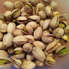 Lowcarb snacks - pistachio nuts