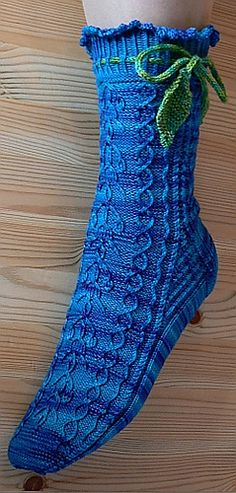 These are top down socks knitted from cuff to toe in a rather fine gauge with lots of patterning and lots of twisted stitches. The stitch patterns are mostly traditional Bavarian and Austrian with adaptations.