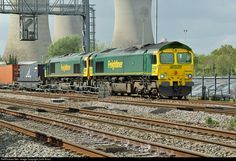 RailPictures.Net Photo: 66540 Freightliner Class 66 at Didcot, United Kingdom by Colin Arnot