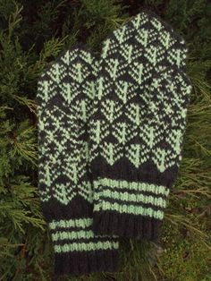 Finely Knitted Estonian Mittens warm and by NordicMittens on Etsy, $48.00