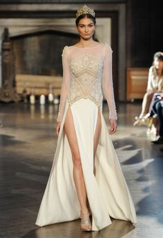 5 hot wedding dresses from fashion catwalks - No.1