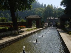 visit the beautiful Achabal gardens in Anantnag, Jammu & Kashmir.