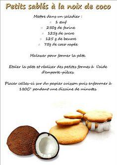 Petits sablés à la noix de coco Sable Cookie Recipe, Perfect Chocolate Chip Cookie Recipe, Easy Delicious Recipes, Sweet Recipes, Shortbread, Cookie Recipes, Dessert Recipes, Desserts With Biscuits, Biscotti Cookies