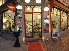 PurrFect Design - a high-end pet boutique dedicated to the finest design for felines, in Antwerp, Belgium