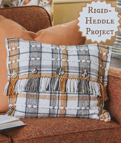 Love this cute handwoven pillow! This rigid-heddle weaving project just requires a pick-up stick to create the weft patterning.