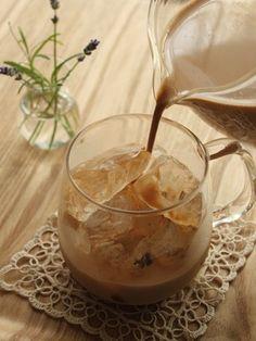 ice milk tea uploaded by Ʈђἰʂ Iᵴɲ'ʈ ᙢᶓ on We Heart It Ice Milk, Milk Tea, Easy Desserts, Dessert Recipes, Yummy Drinks, Yummy Food, Chocolate Coffee, Drinking Tea, No Cook Meals