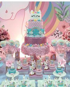 mesa de postres unicornio Birthday Cake, Desserts, Food, Fiestas, Tailgate Desserts, Birthday Cakes, Deserts, Eten, Postres