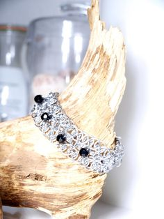 """""""Black Pearl"""" Armband  von Chain-Elle Art's - wunderschöner Chainmaille Schmuck. Finde zu Deiner Geschichte Dein passendes Schmuckstück. Einzigartig."""