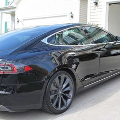 #Tesla Model S from November received full #paintcorrection followed by #cquartzfinest for protection. This stunning #electricvehicle will look great for years to come. Thank you to @davidmstrum for the assist! #charlotte #nc #detail #detailsdoneright #carporn #carsofinstagram #blacklist #cquartz #ev #swirlfree @carpro_us @carpro_global by cmcdetailing