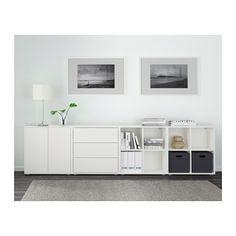 EKET Schrankkombination/Füße IKEA Eine niedrige Kombination bietet praktische Aufbewahrung z.B. unter einem Fenster.