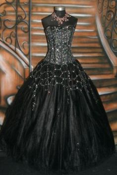 goth prom dress I think this would look super great with bright blue accents! Goth Wedding Dresses, Wedding Gowns, Prom Dresses, Wedding Cakes, Gothic Korsett, Mode Sombre, Modelos Fashion, Gothic Wedding, Gothic Dress