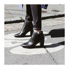 #CONCOURS: Tentez de gagner une paire de shoes Eclipse avec @mocassinserretete ! RDV sur http://ift.tt/SImmah pour les conditions du concours. Bonne chance à toutes #Eclipse_shoes #fashionbrand #onlineshop #shoes #fashionblogging #fashionblogger #mocassinserretete #street #girl #style #stylish #lifestyle #kodakmoment #shoesoftheday #instagood #instadaily #boots #collection #filmphotography #fashion #ootd #bottines #shoestagram #shoeslover #nantes #paris