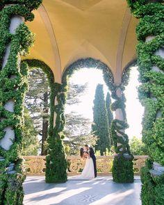 143 отметок «Нравится», 11 комментариев — WEDDING PHOTOGRAPHERS IN ITALY (@kirandiraphotography) в Instagram: «Julia & Eugene at the majestic Villa del Balbianello ❤️ planner @italy_wedding_event @fiordamore…» Sunny Sunday, Spring Is Coming, Italy Wedding, Wedding Events, Weddings, Sunnies, Wish, Wedding Planning, Villa