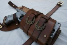JacklynHyde - Handcrafted leatherwork