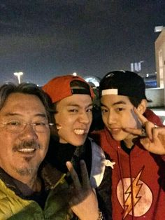 Papa tuan with Mark and  yugyeom