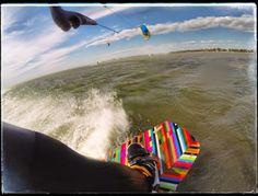 Kitespot Grado Pineta! Bora mit 35 Knoten. 6 qm² Kites, Flachwasser. Osterwochenende mit Freunden! #kiteboarding #travel #italy #grado