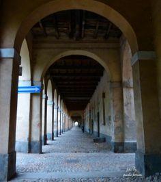 Pavia, i portici di Viale Bligny