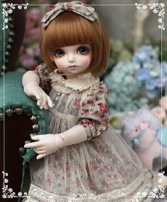 RDH-011 Rose garden (beige)