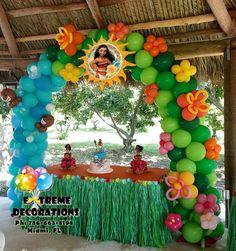 Princess Moana Theme Birthday Party Decorations Cake Table With Moana Birthday Party Theme, Moana Themed Party, Luau Party, Moana Birthday Cakes, Birthday Balloon Surprise, Princess Birthday, Hawaiian Birthday, Luau Birthday, 6th Birthday Parties