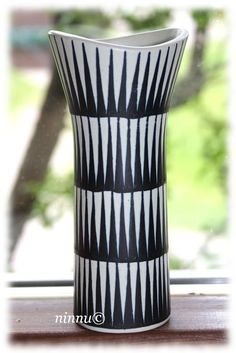 Ceramic vase by Kupittaan savi of Finland. Ceramic Vase, Ceramic Pottery, Pueblo Pottery, Nordic Design, Vintage Textiles, Antique Glass, Vases Decor, Vintage Ceramic, Decor Interior Design