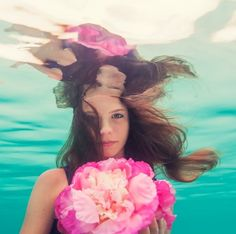 Amazing underwater photography via @emmavsimmons on Instagram love the colors and concept!